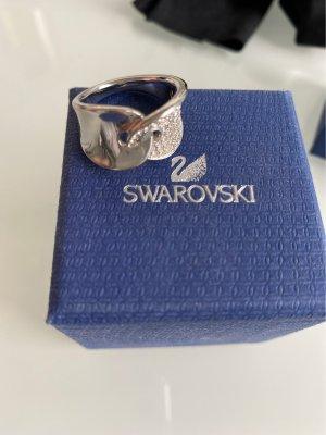 Swarovski Srebrny pierścionek biały-srebrny