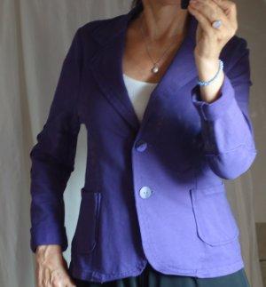 Sweatblazer, Jersey, violett, offene Kanten, sehr schöne Knöpfe, bequem, dehnbar, tolle Farbe, tailliert, Kurzblazer, made in Italy, Baumwolle/Elasthane, neuwertig, Gr. S, Gr. 36