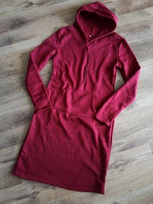 Sukienka z kapturem głęboka czerwień-bordo