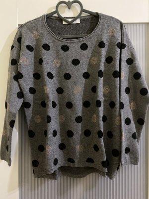 Sweatshirt mit Punkten