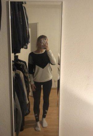 Sweatshirt mit schönem Muster