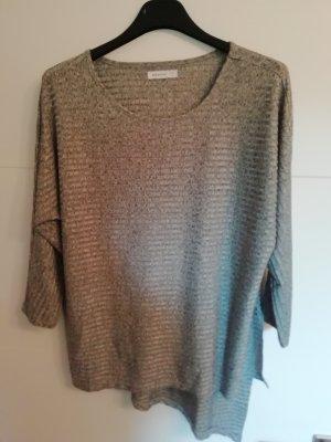 sweatshirt, reserved