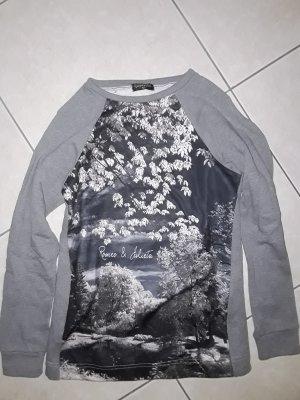 Sweatshirt von Romeo & Julieta