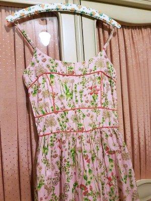 Swing Kleid im Stil der 50er Jahre mit Blumendruck