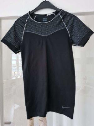 T- Ahirt von Nike.. gr. S