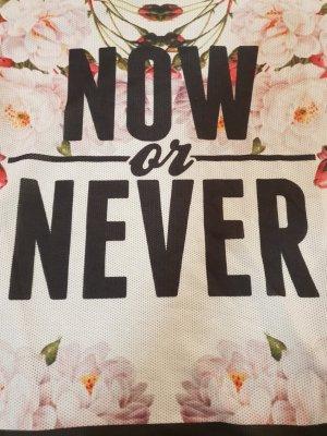 T-shirt bedruckte Netzvorderseite