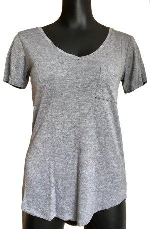 T-Shirt grau mit kleiner Brusttasche