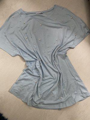 T-Shirt in hellblau mit Perlen, Gr L