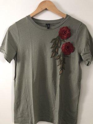 T-Shirt Khaki mit Blumen Aufnäher Gr. S