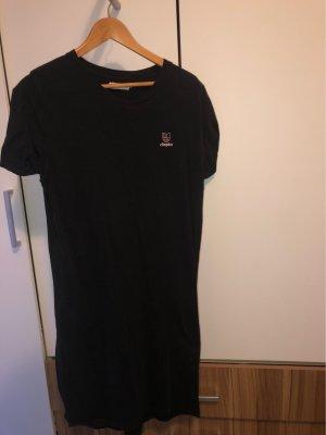 Cleptomanicx Sukienka o kroju koszulki czarny-różowy
