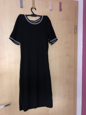 H&M Shortsleeve Dress black-white