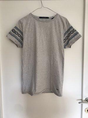 T-Shirt mit bestickten Ärmel