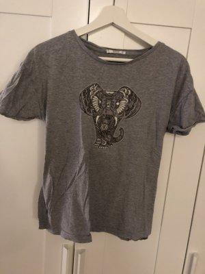 T-Shirt mit Elefant aus Perlen
