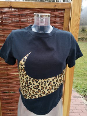T-shirt mit Leo Design!