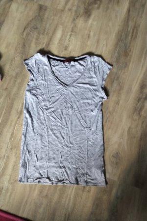 Review T-shirt gris