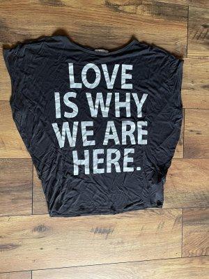 T-Shirt schwarz mit weißem Aufdruck