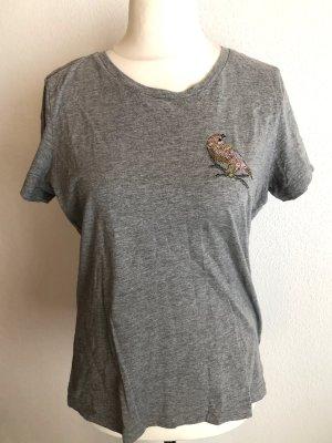 T-Shirt Shirt locker grau mit Aufnäher Gr. L