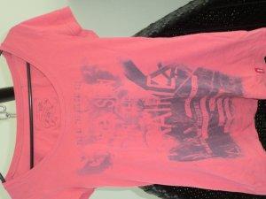 T-Shirt tailliert mit Print