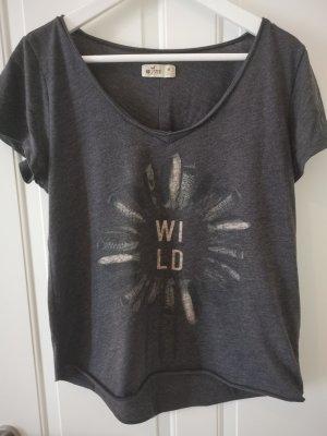 """T shirt """"Wild"""" Hollister"""