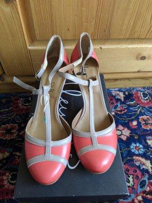 Ilenia P. T-Strap Pumps grey brown-bright red