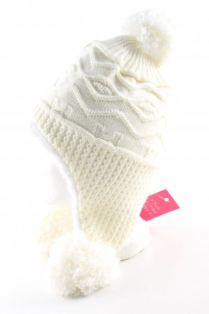Bobble Hat cream cable stitch casual look