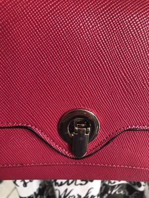 Täschchen von Zara in magenta