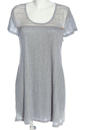 Tahari Shortsleeve Dress light grey striped pattern casual look