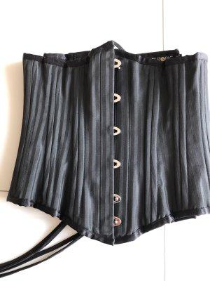 Corsage black