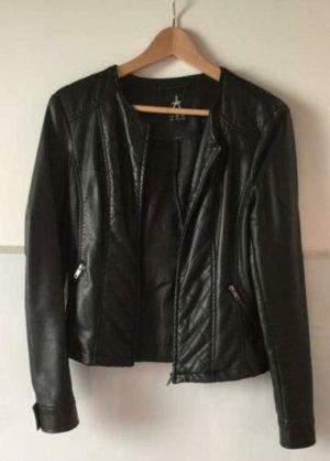 Taillerte Jacke aus Leder-Imitat mit Steppung
