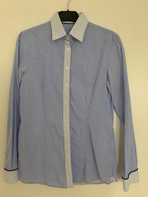 Taillierte Bluse hellblau/weiß vom Witty Knitters