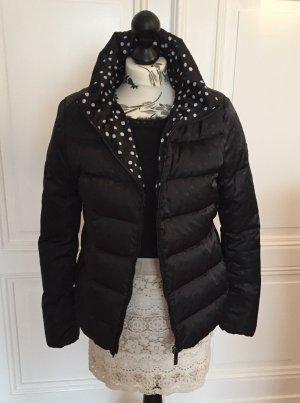 Taillierte Daunenjacke Winterjacke mit Punkten von Armani Jeans 36/38 neuwertig