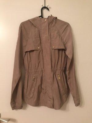 Taillierte Jacke von Zara