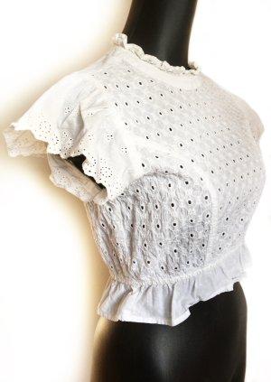 Taillierte kurze Bluse mit kleinen Löchern