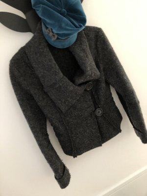 Taillierter Wollblazer für den Herbst
