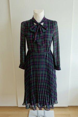 Tailliertes Kleid mit Karomuster