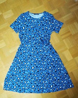 Tailliertes Kleid mit Knotendetail