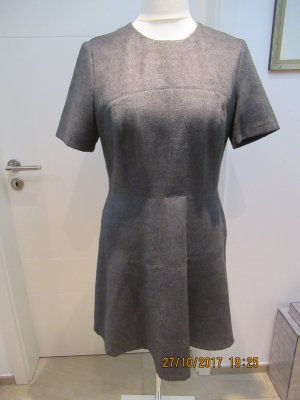Tailliertes Wollkleid in anthrazit von Zara in Groesse L mit Elasthan schoen warm Minikleid