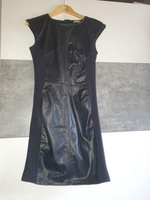 Take Two Vestido de cuero negro