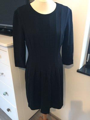 Talkabout Schwarzes X-Linien Kleid