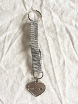Tally Weijl Schlüsselanhänger in Herzform in mattem Silber NEU