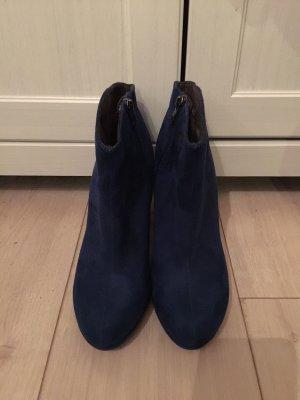 Tamaris Platform Booties blue