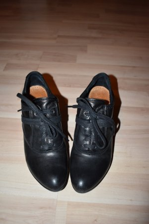 Tamaris - außergewöhnlicher Schnürer, Leder, schwarz, Gr. 39 - neuwertig