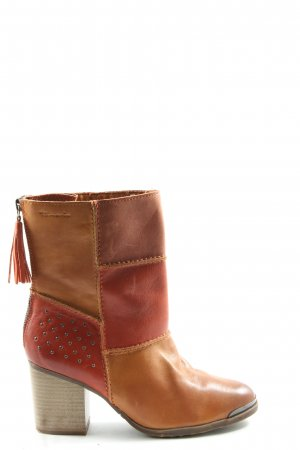 Tamaris Botines marrón-rojo estilo «business»