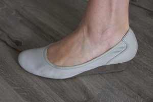 Tamaris Slingback Ballerinas light grey imitation leather