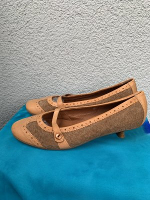 Tamaris Strappy Ballerinas brown-camel