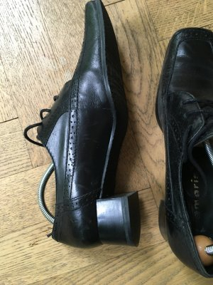 Tamaris Wingtip Shoes black leather