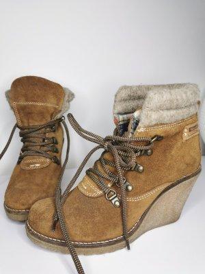Tamaris Botas de cuña color bronce