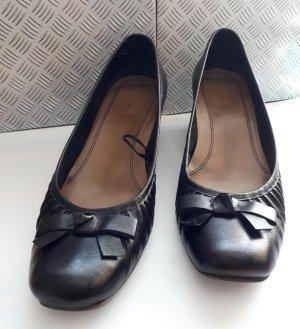 Tamaris Pumps schwarz Größe 40 Trichterabsatz Leder mit kleiner Schleife