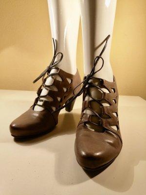 Tamaris High-Front Pumps grey brown leather