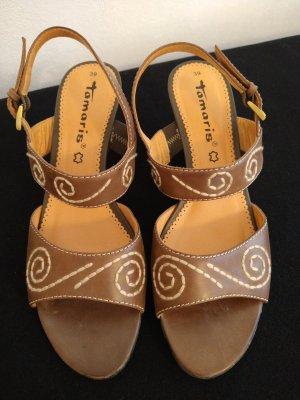 Tamaris Zapatos de cuña marrón claro